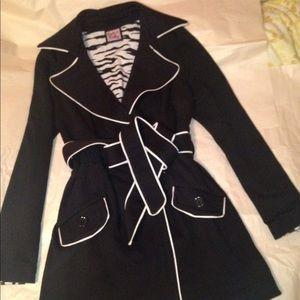 LA Kitty Black white trim Jacket